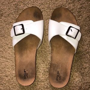 mossimo supply co white buckle flip flops